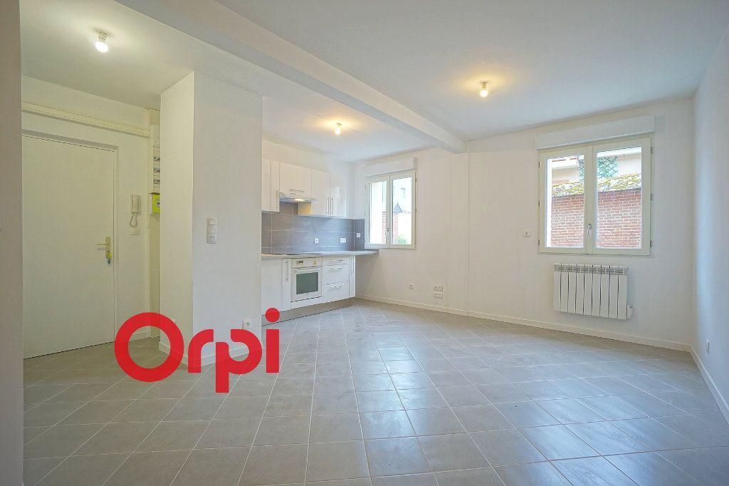 Appartement à louer 2 43.39m2 à Bernay vignette-2