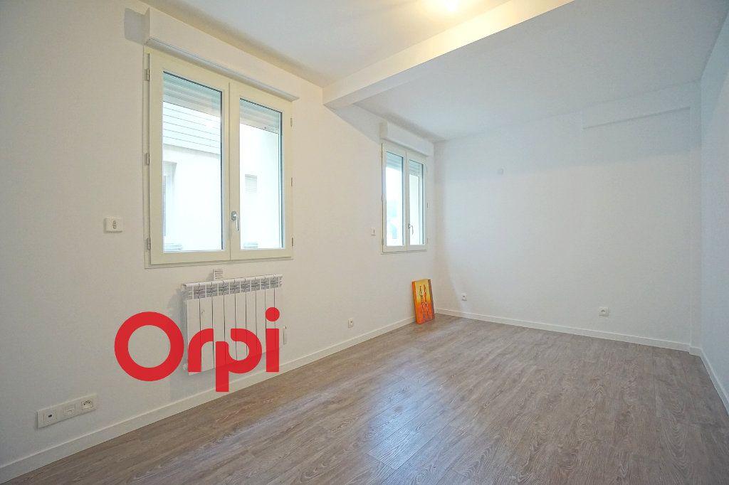 Appartement à louer 2 43.39m2 à Bernay vignette-3