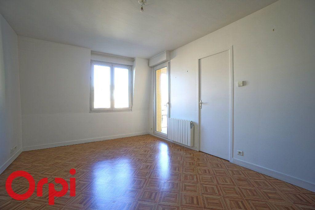 Appartement à louer 2 40.81m2 à Bernay vignette-2
