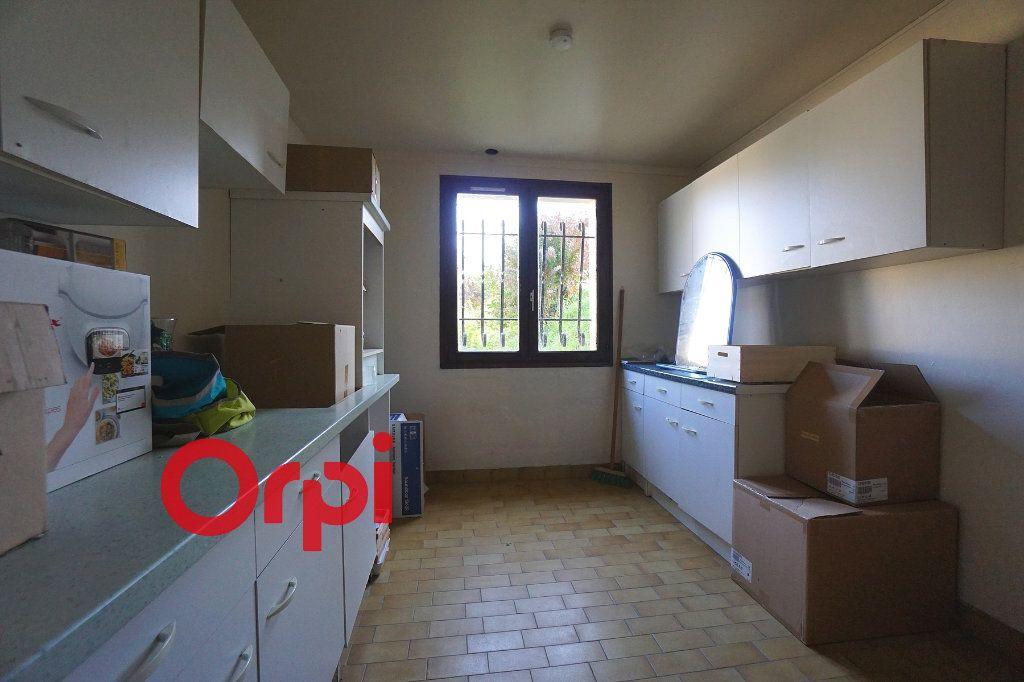 Maison à louer 4 130.99m2 à Bernay vignette-14