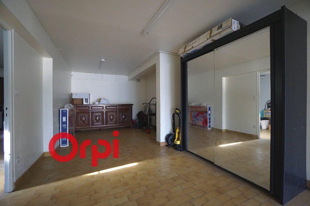 Maison à louer 4 130.99m2 à Bernay vignette-15