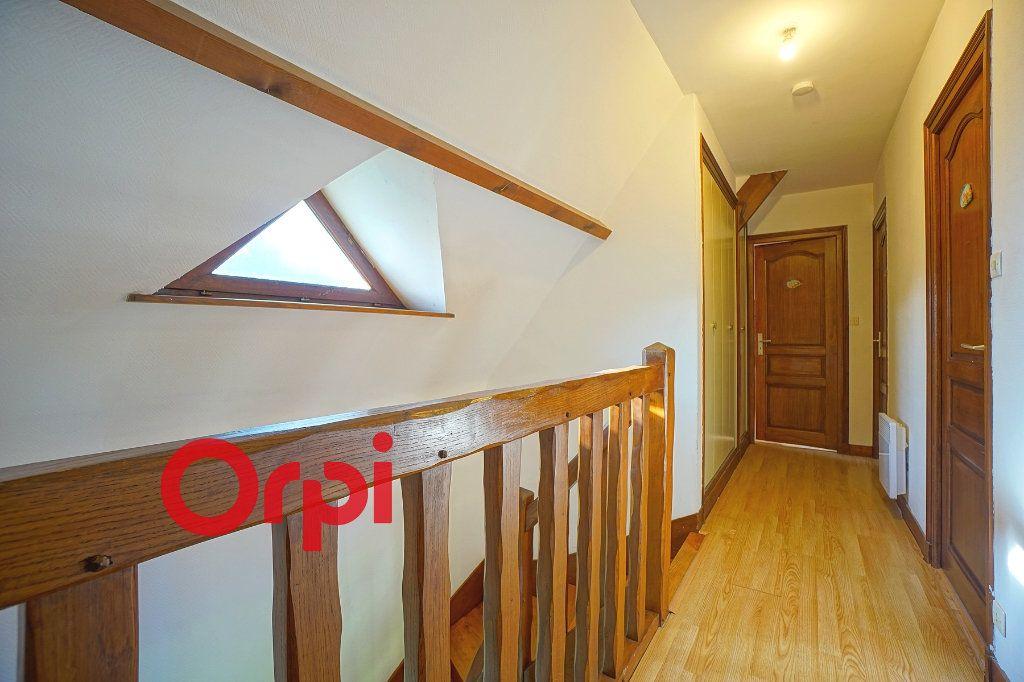Maison à louer 4 130.99m2 à Bernay vignette-18