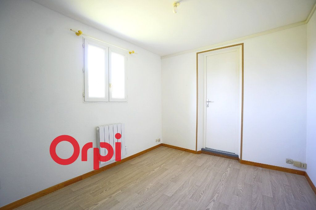 Appartement à louer 2 24.74m2 à Thiberville vignette-2