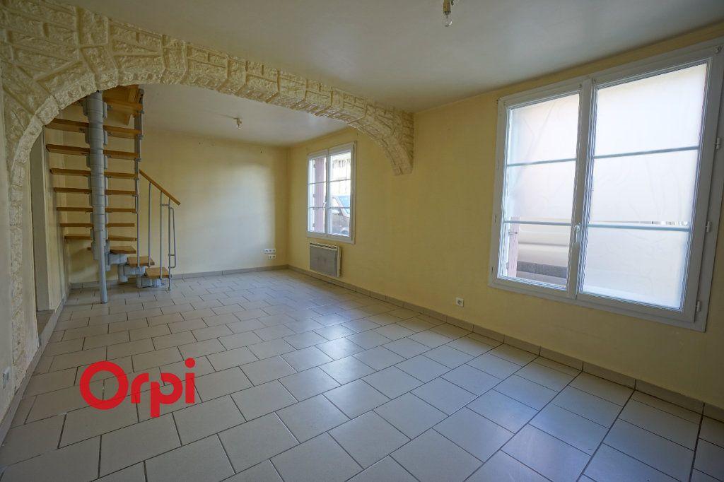 Appartement à louer 3 60.79m2 à Broglie vignette-1
