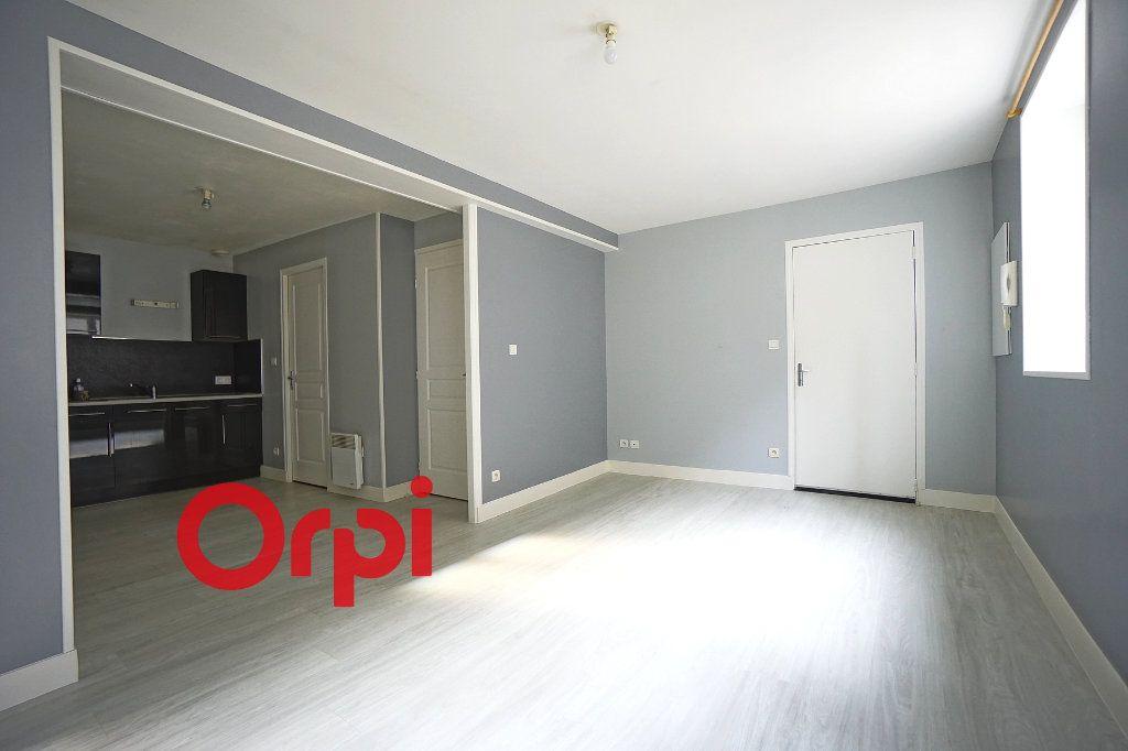 Appartement à louer 3 41.22m2 à Bernay vignette-1
