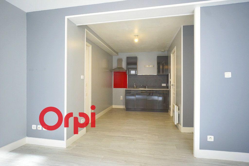 Appartement à louer 3 41.22m2 à Bernay vignette-2