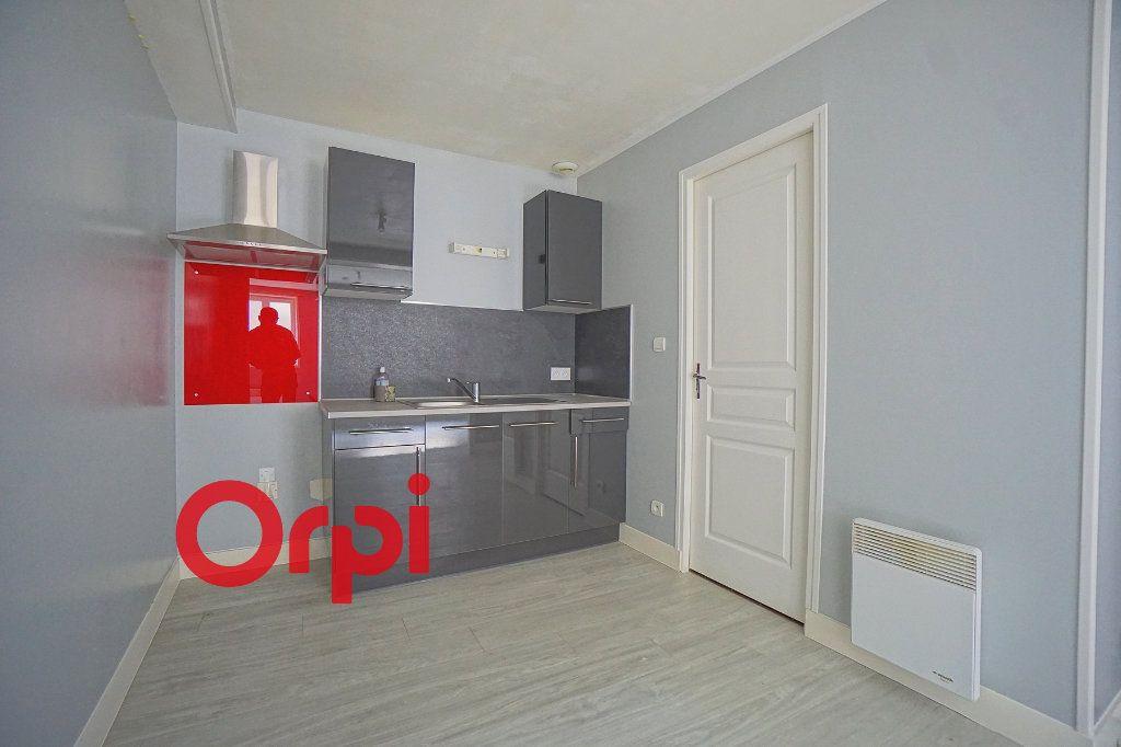 Appartement à louer 3 41.22m2 à Bernay vignette-3