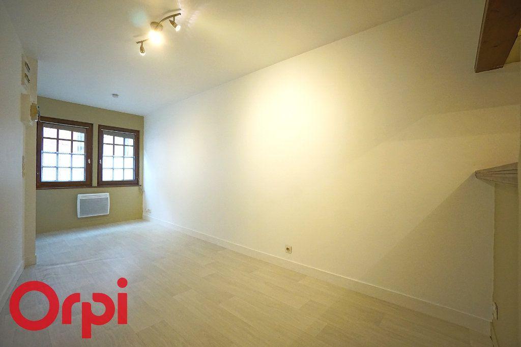 Appartement à louer 2 26.22m2 à Bernay vignette-1