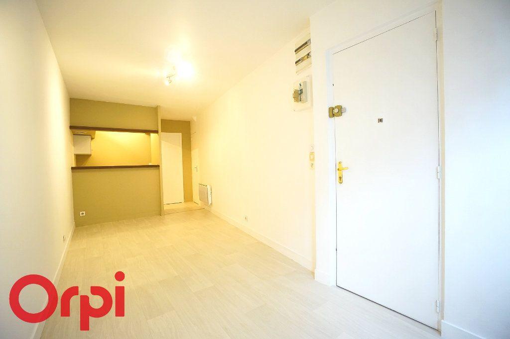 Appartement à louer 2 26.22m2 à Bernay vignette-2