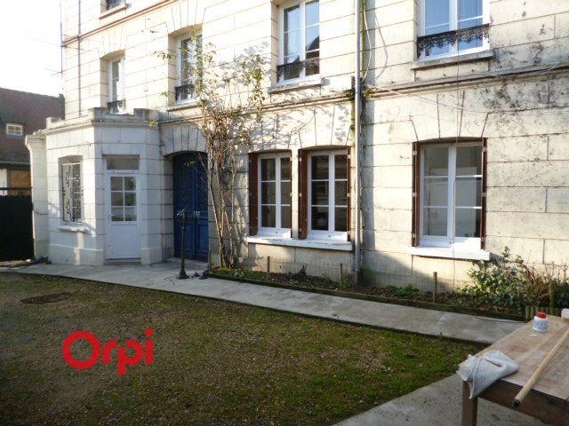Appartement à louer 3 72.9m2 à Bernay vignette-1