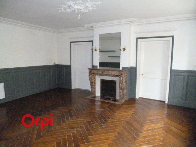 Appartement à louer 3 72.9m2 à Bernay vignette-2