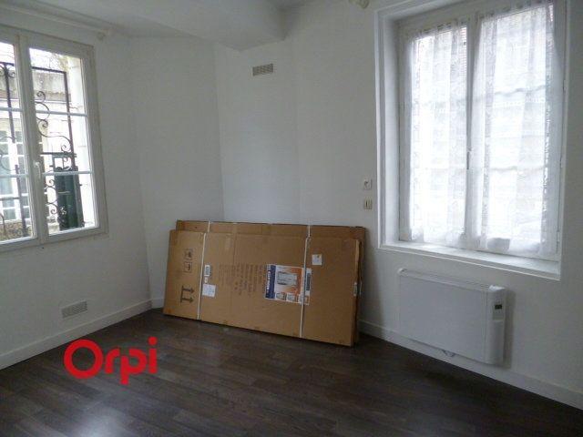 Appartement à louer 3 72.9m2 à Bernay vignette-5