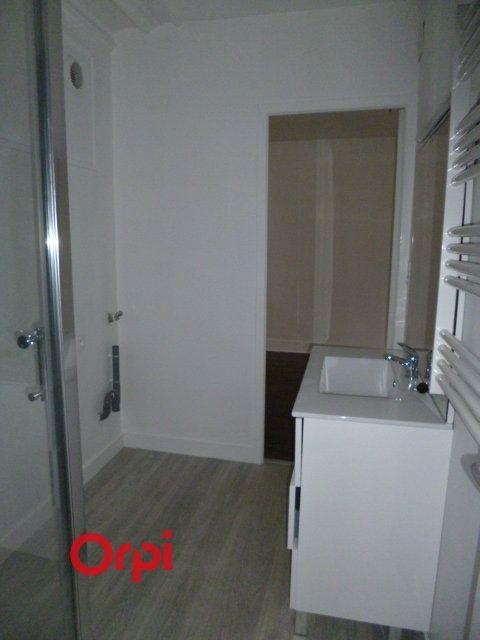 Appartement à louer 3 72.9m2 à Bernay vignette-15