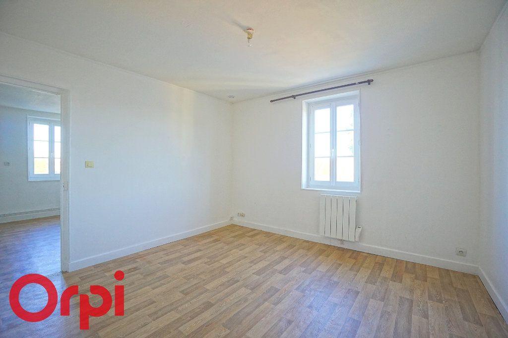 Appartement à louer 3 54.1m2 à Thiberville vignette-1