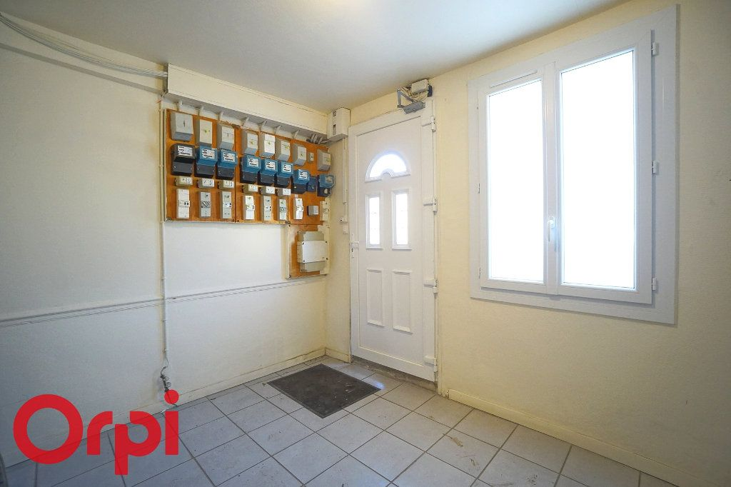 Appartement à louer 3 54.1m2 à Thiberville vignette-11
