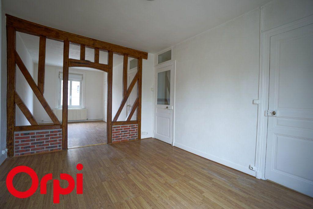 Appartement à louer 3 82.66m2 à Bernay vignette-1