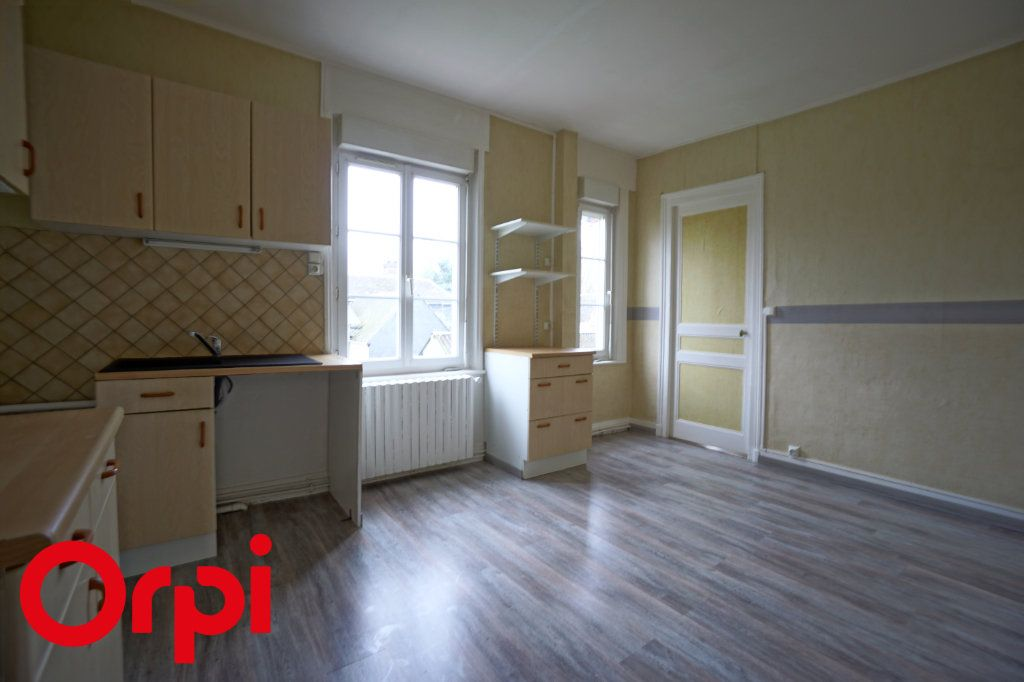 Appartement à louer 3 82.66m2 à Bernay vignette-2