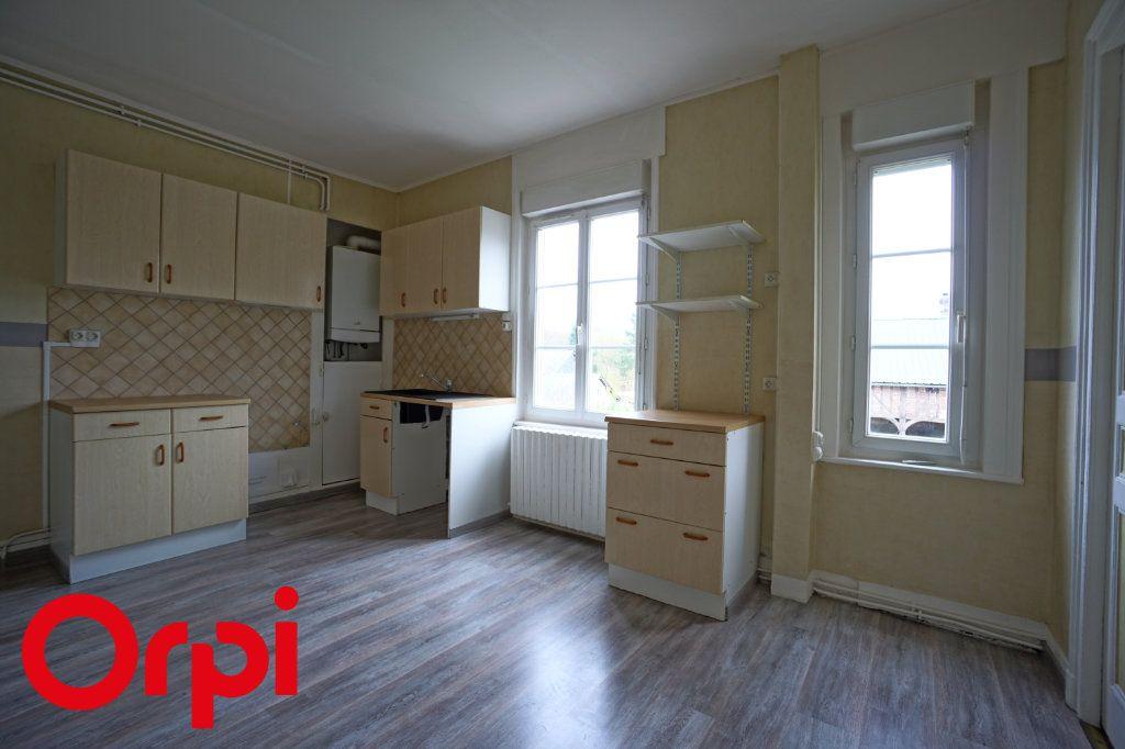 Appartement à louer 3 82.66m2 à Bernay vignette-3