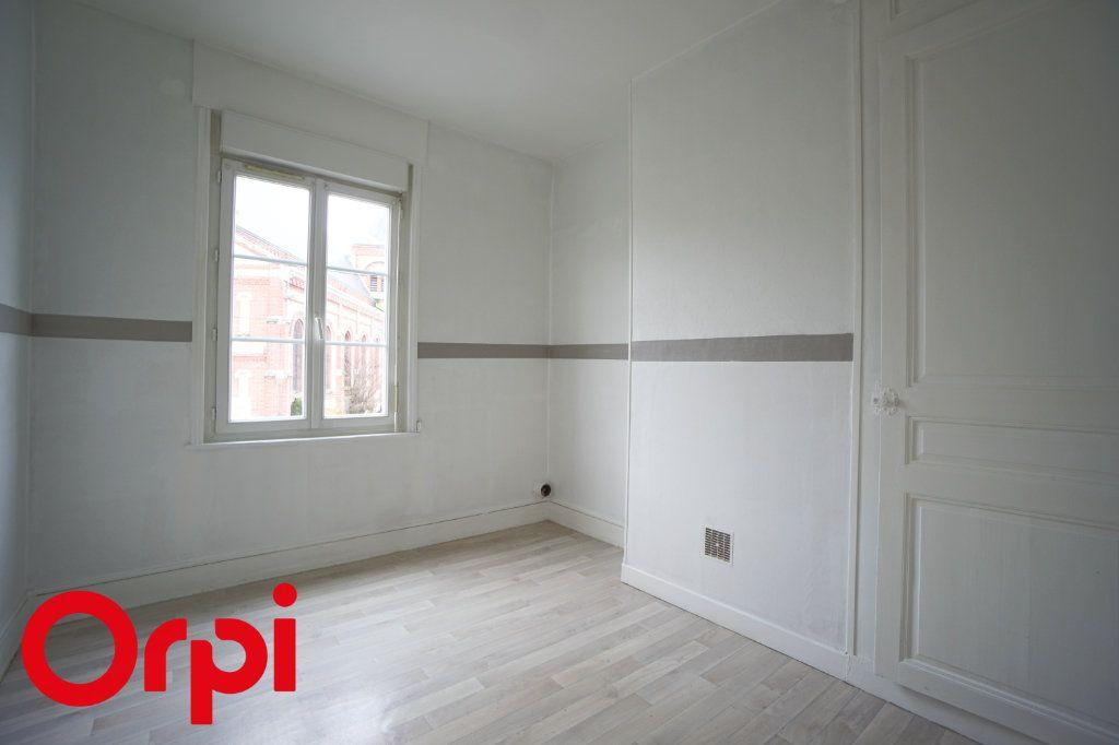 Appartement à louer 3 82.66m2 à Bernay vignette-4