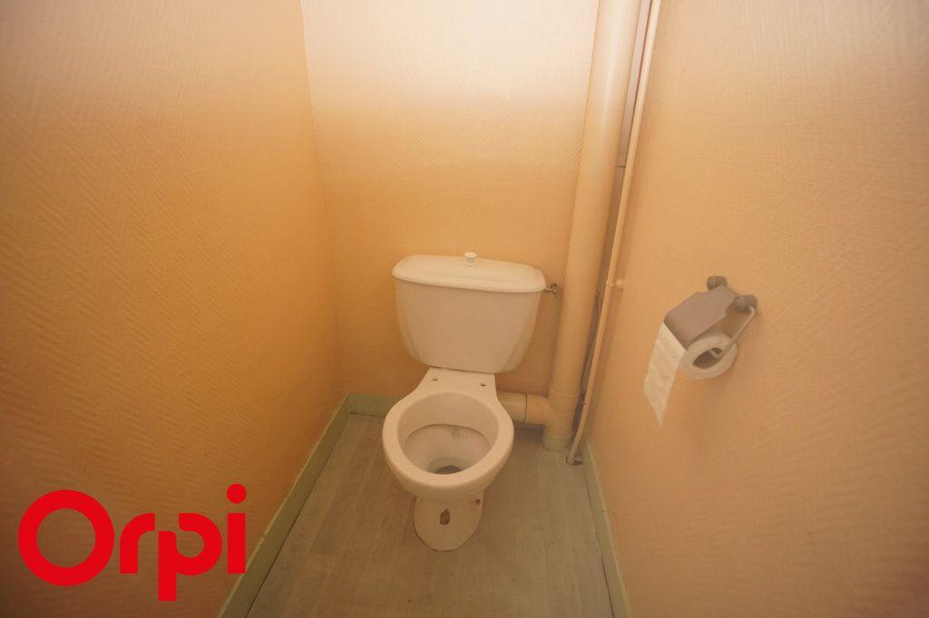 Appartement à louer 3 82.66m2 à Bernay vignette-12