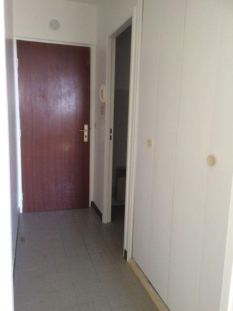 Appartement à louer 1 22.2m2 à Dammartin-en-Goële vignette-5