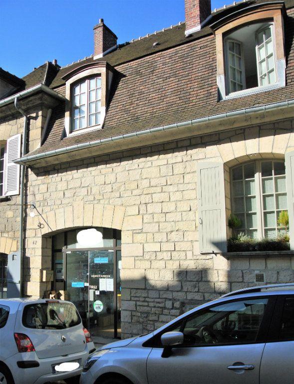 Immeuble à vendre 0 69.14m2 à Senlis vignette-1