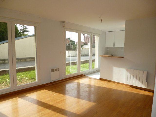 Appartement à vendre 3 76.32m2 à Senlis vignette-1