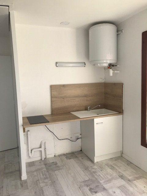 Appartement à louer 1 18.68m2 à Moussy-le-Vieux vignette-4