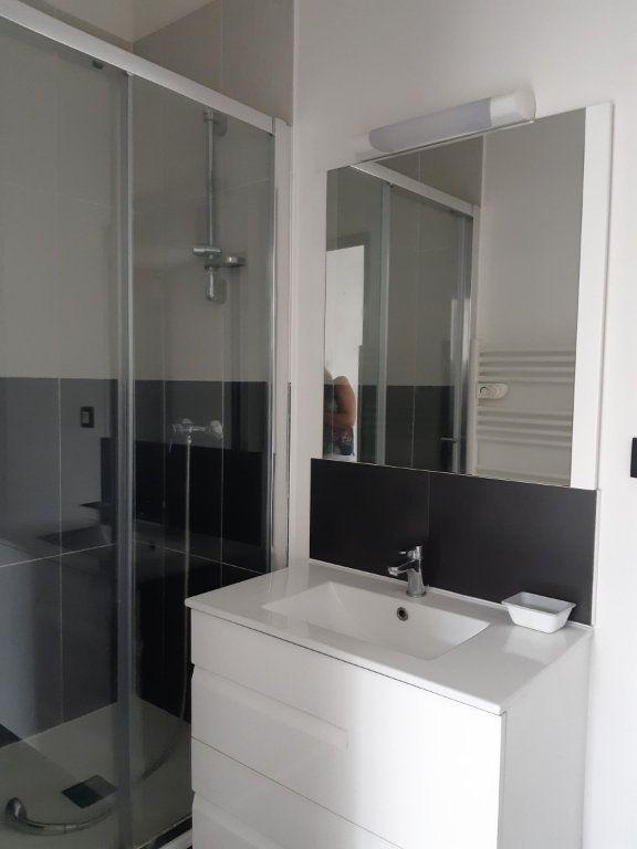Appartement à louer 2 33.05m2 à Dammartin-en-Goële vignette-3