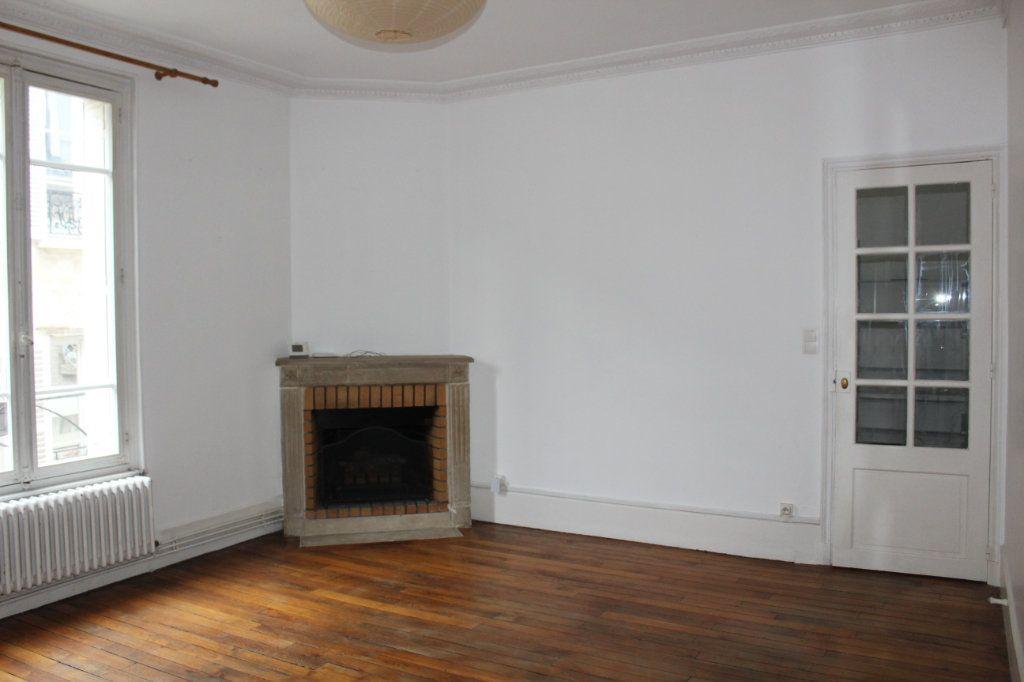 Appartement à vendre 3 78.1m2 à Senlis vignette-3