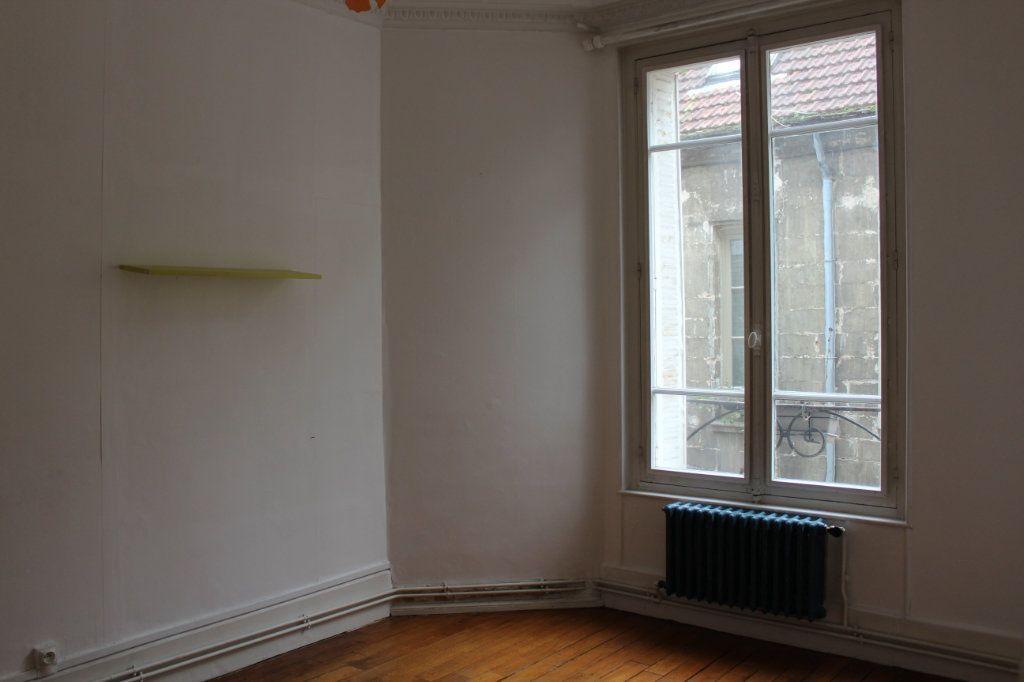 Appartement à vendre 3 78.1m2 à Senlis vignette-4