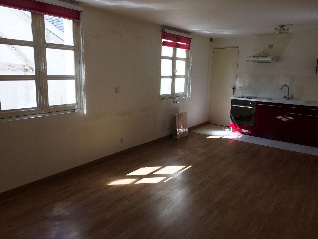Appartement à louer 1 31.6m2 à Senlis vignette-1