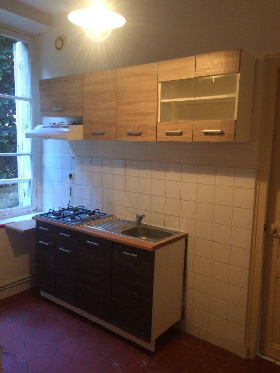 Appartement à louer 3 52.15m2 à Senlis vignette-3