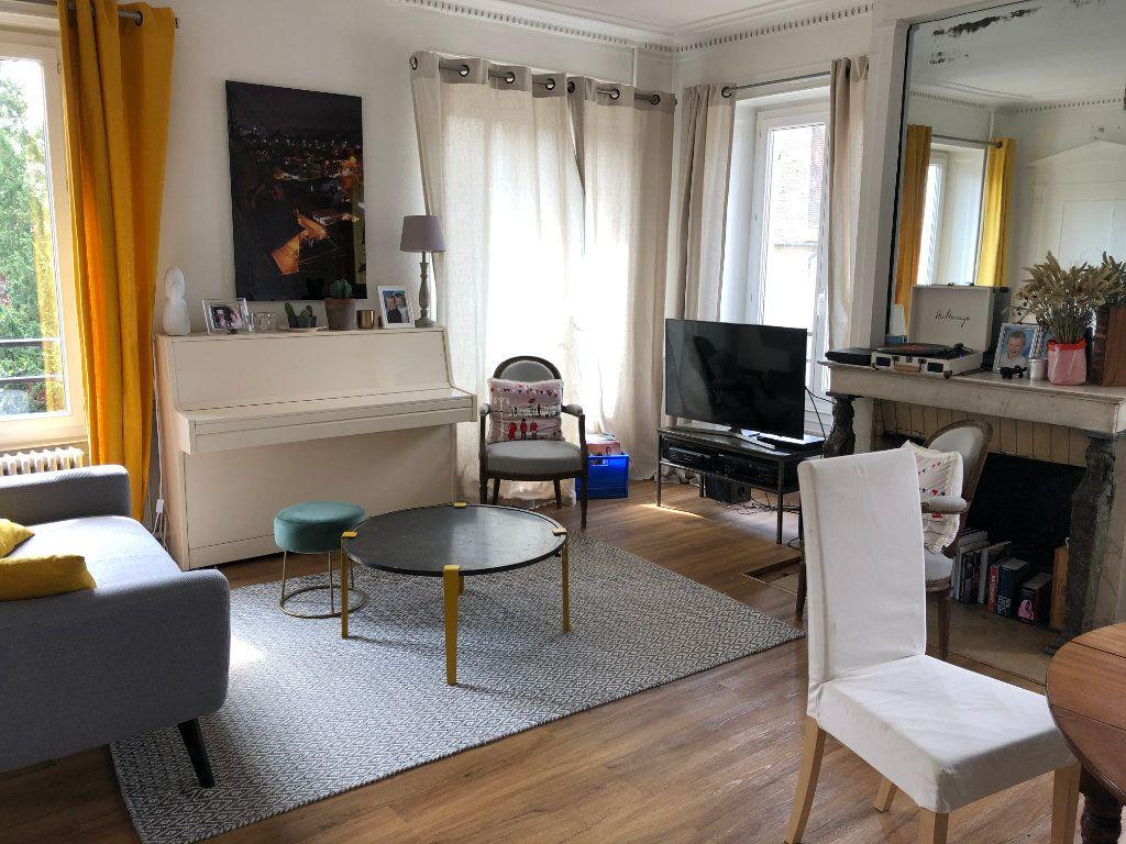 Appartement à louer 5 116.97m2 à Senlis vignette-1