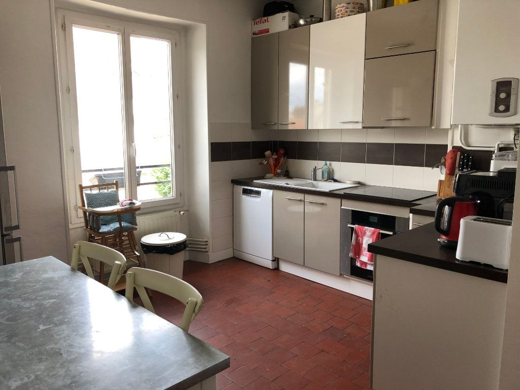 Appartement à louer 5 116.97m2 à Senlis vignette-3
