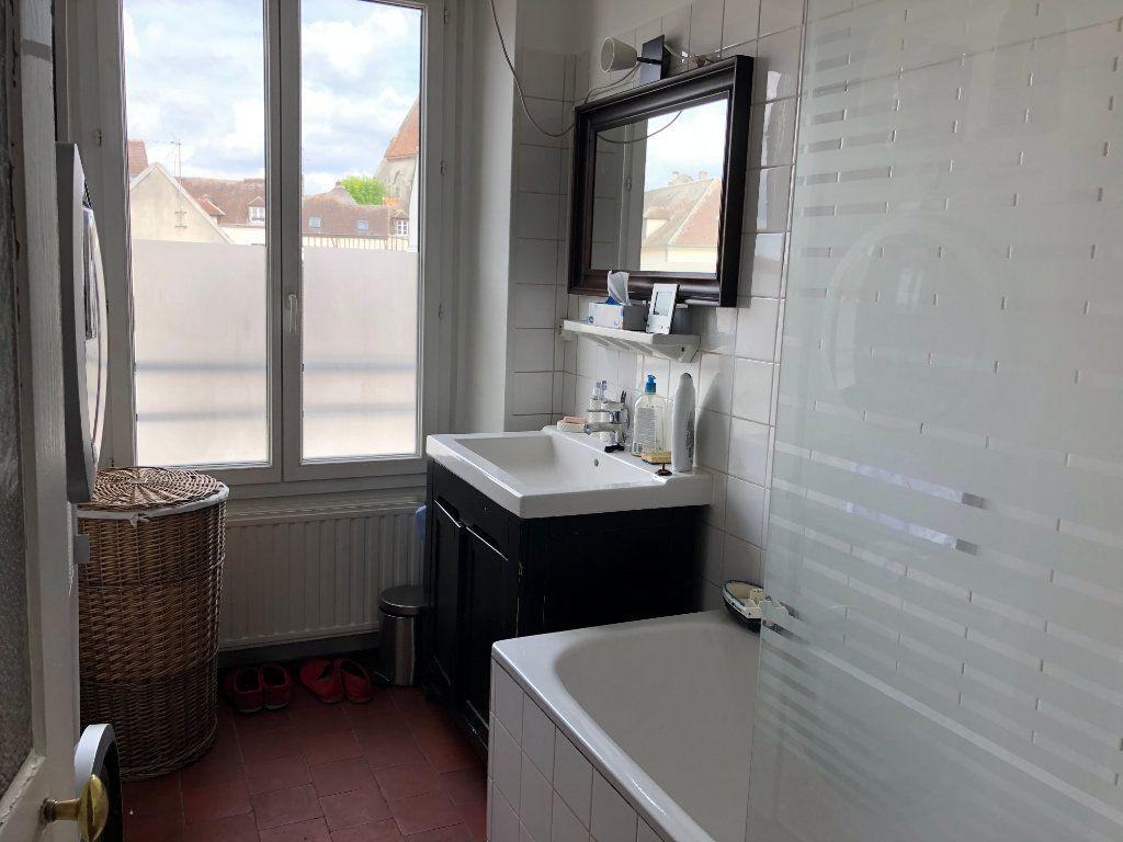 Appartement à louer 5 116.97m2 à Senlis vignette-4