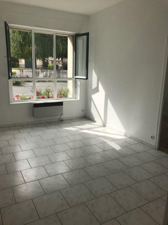 Appartement à louer 2 33.51m2 à Moussy-le-Vieux vignette-1