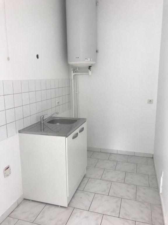 Appartement à louer 2 33.51m2 à Moussy-le-Vieux vignette-2