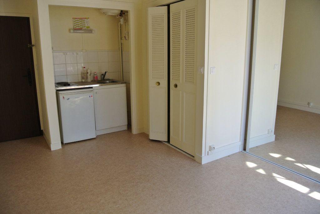Appartement à louer 1 18.2m2 à Senlis vignette-1