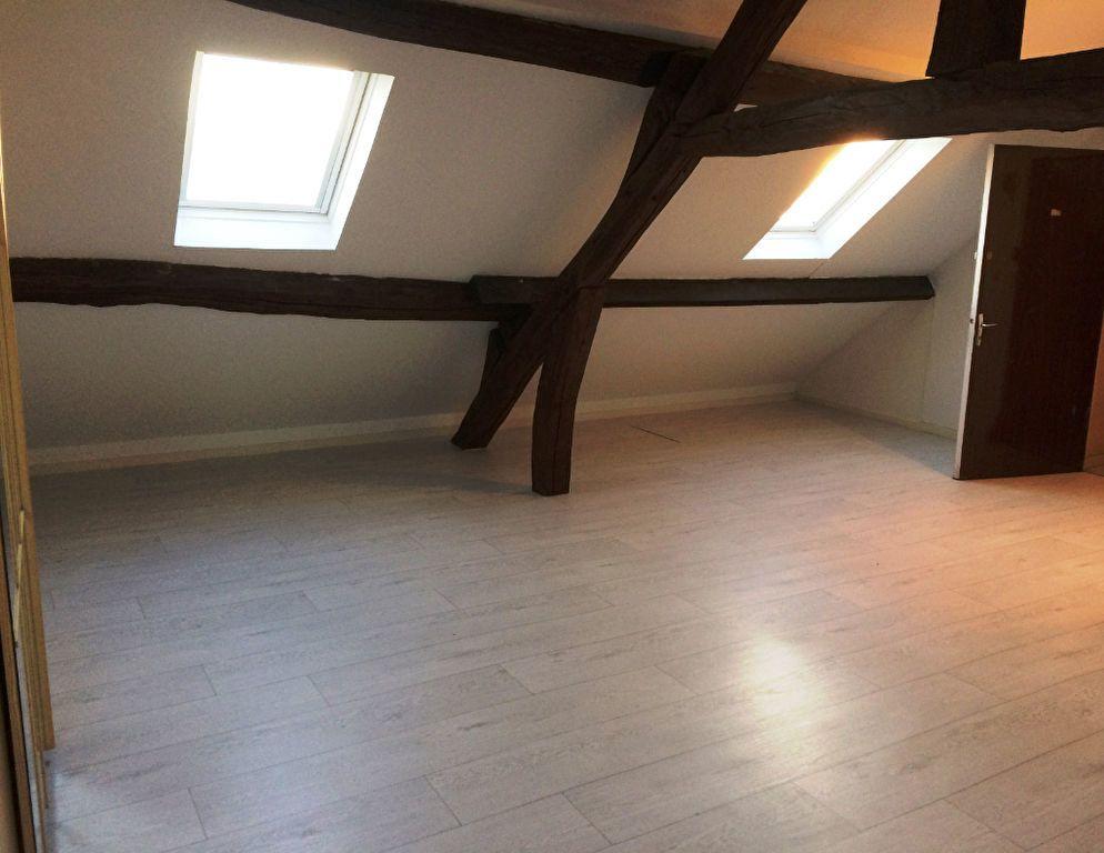 Appartement à louer 1 24.61m2 à Thiers-sur-Thève vignette-1