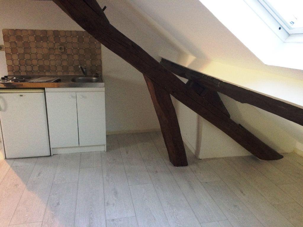 Appartement à louer 1 24.61m2 à Thiers-sur-Thève vignette-2