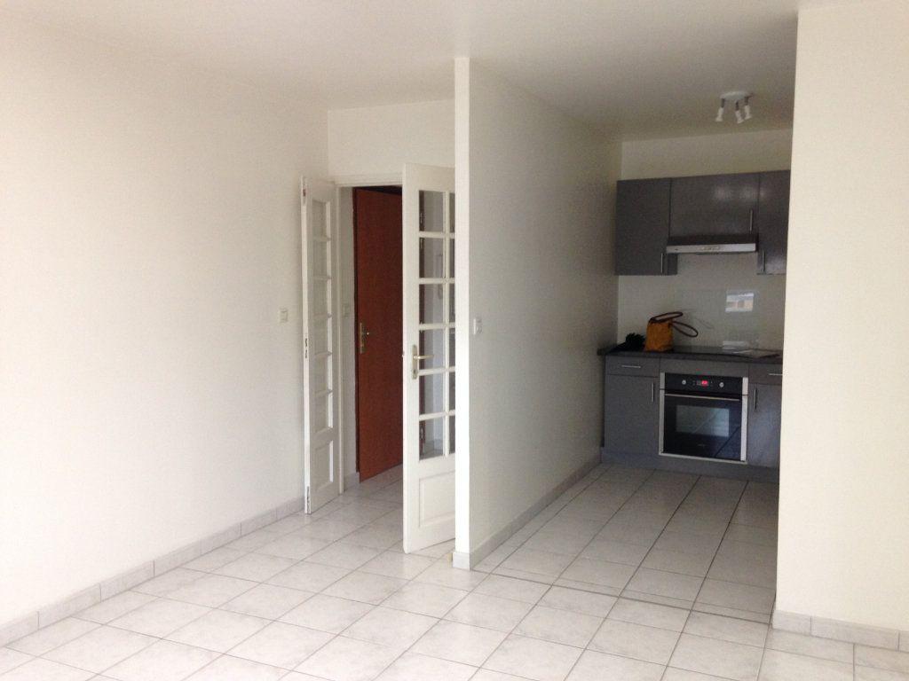 Appartement à louer 3 55m2 à Nanteuil-le-Haudouin vignette-4