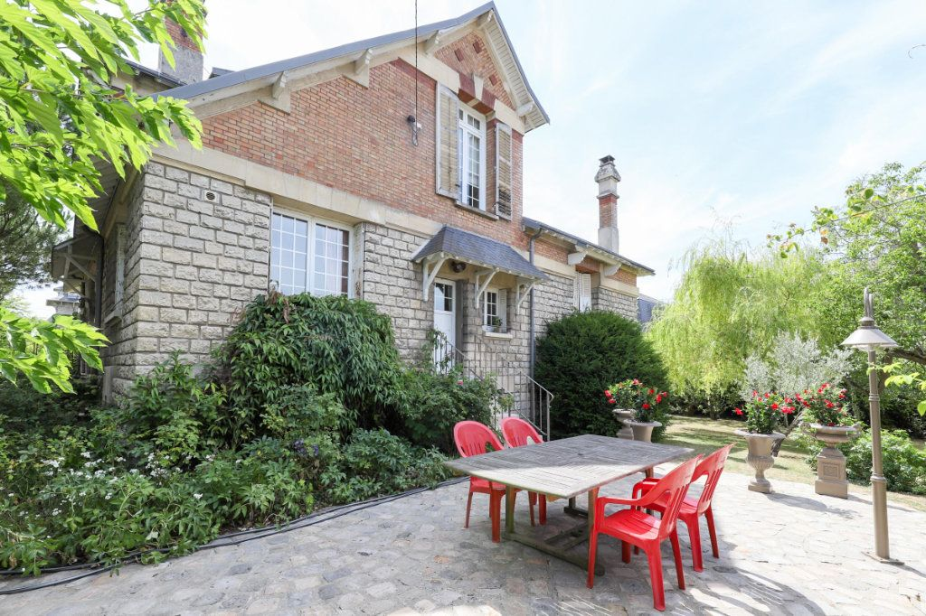 Maison à vendre 12 363m2 à Senlis vignette-1
