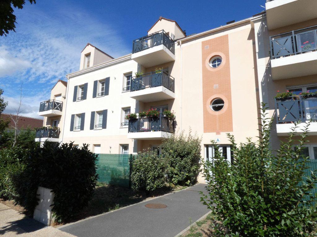 Appartement à vendre 2 51.75m2 à Champagne-sur-Oise vignette-1