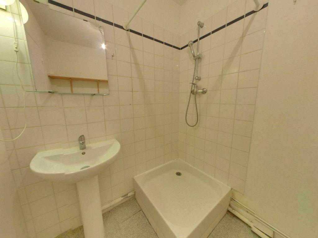 Appartement à vendre 1 25.72m2 à Moussy-le-Vieux vignette-3