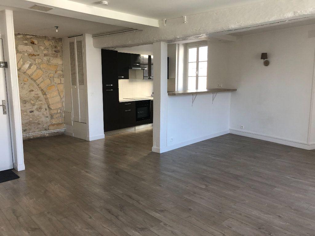 Appartement à louer 3 84.3m2 à Senlis vignette-1