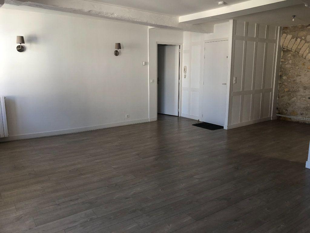Appartement à louer 3 84.3m2 à Senlis vignette-2
