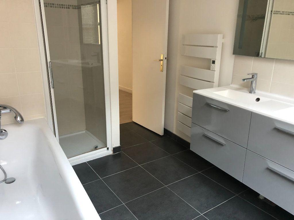 Appartement à louer 3 84.3m2 à Senlis vignette-5