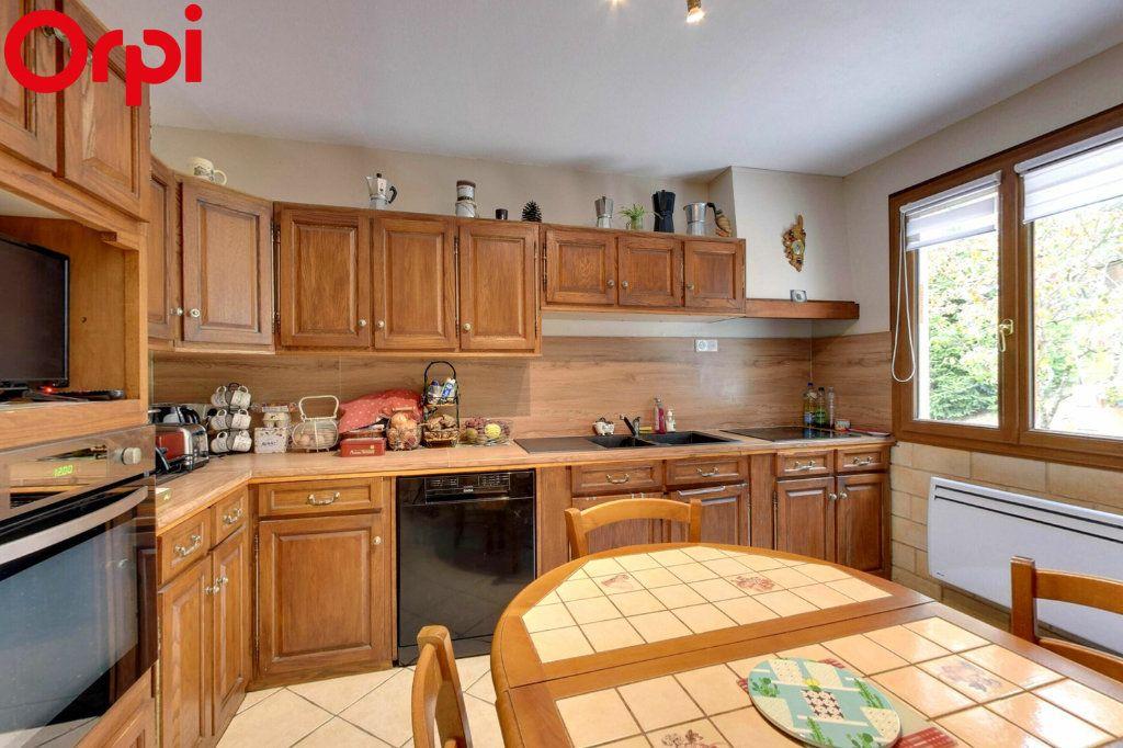 Maison à vendre 8 116.44m2 à Montgé-en-Goële vignette-2