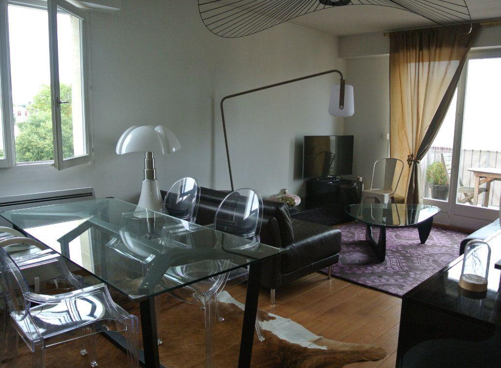 Appartement à louer 3 70m2 à Senlis vignette-2
